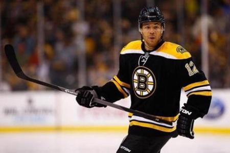 Jarome Iginla, the ageless wonder, had a pair of goals as the Bruins defeated the Capitals 4-2. photo by